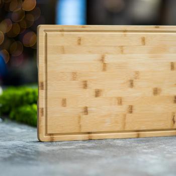 """Premium Holzschneidbrett """"Shunan"""" Bambus 45 x 30 cm mit umlaufender Saftrille"""